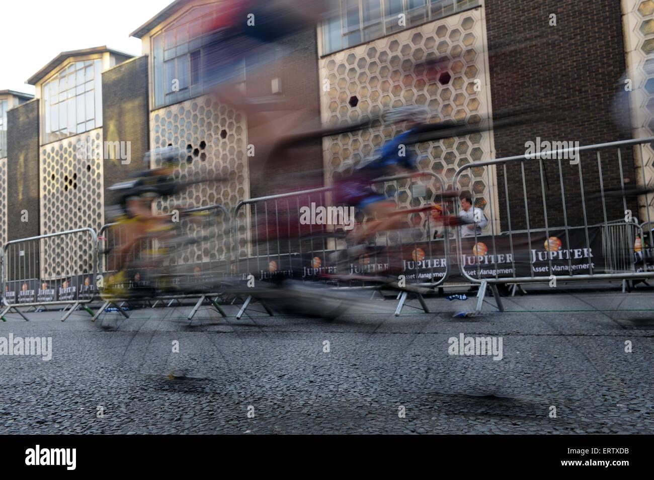 Spectator Street Ipad Apple Photographing Uk Sport Sportsmanship