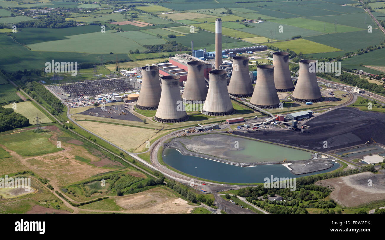 aerial view of Cottam Power Stations, a coal-fired and a gas-fired power station, near Retford in Nottinghamshire - Stock Image