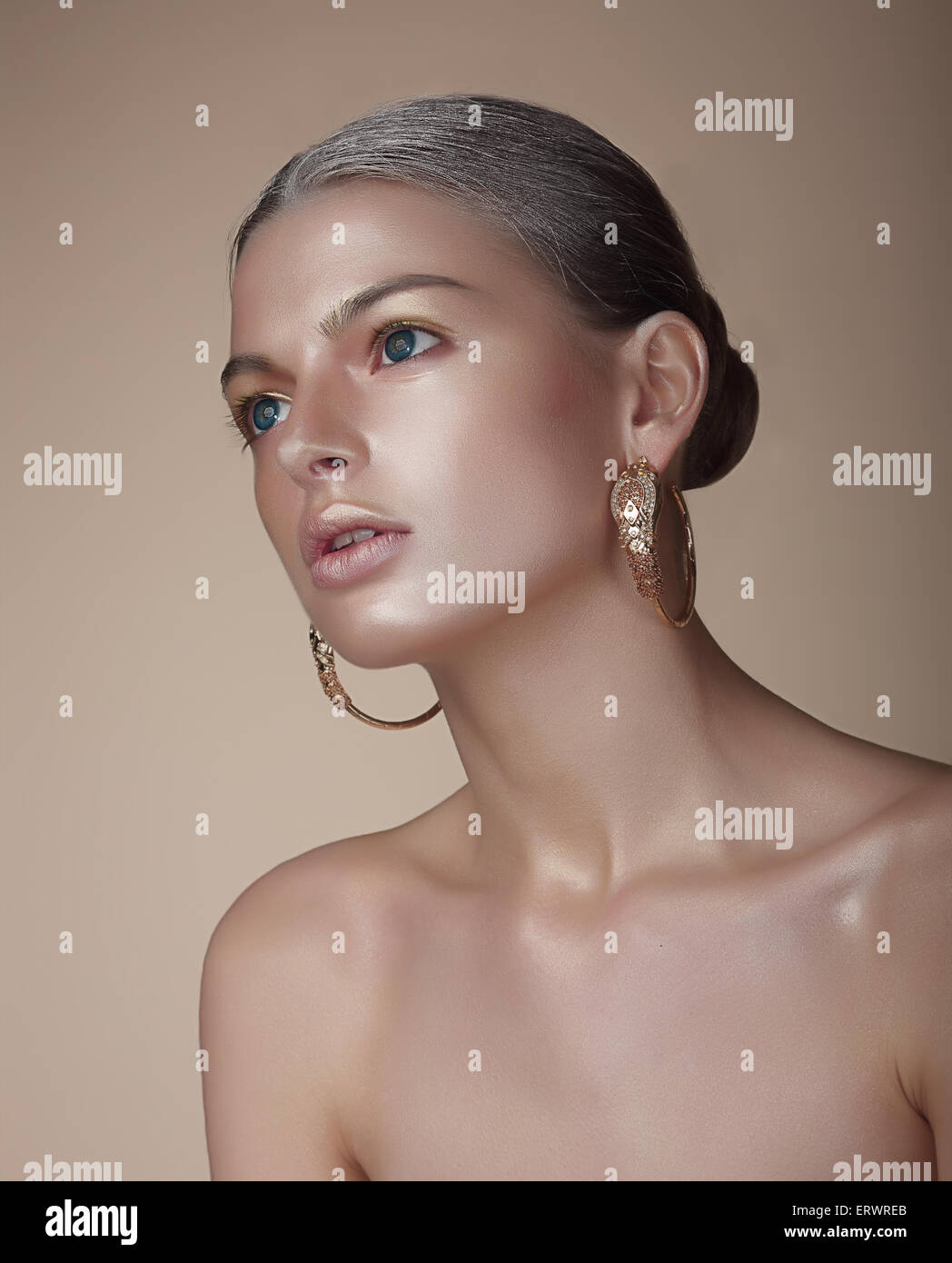 photo with portrait stock of earrings alamy erwreb woman gorgeous