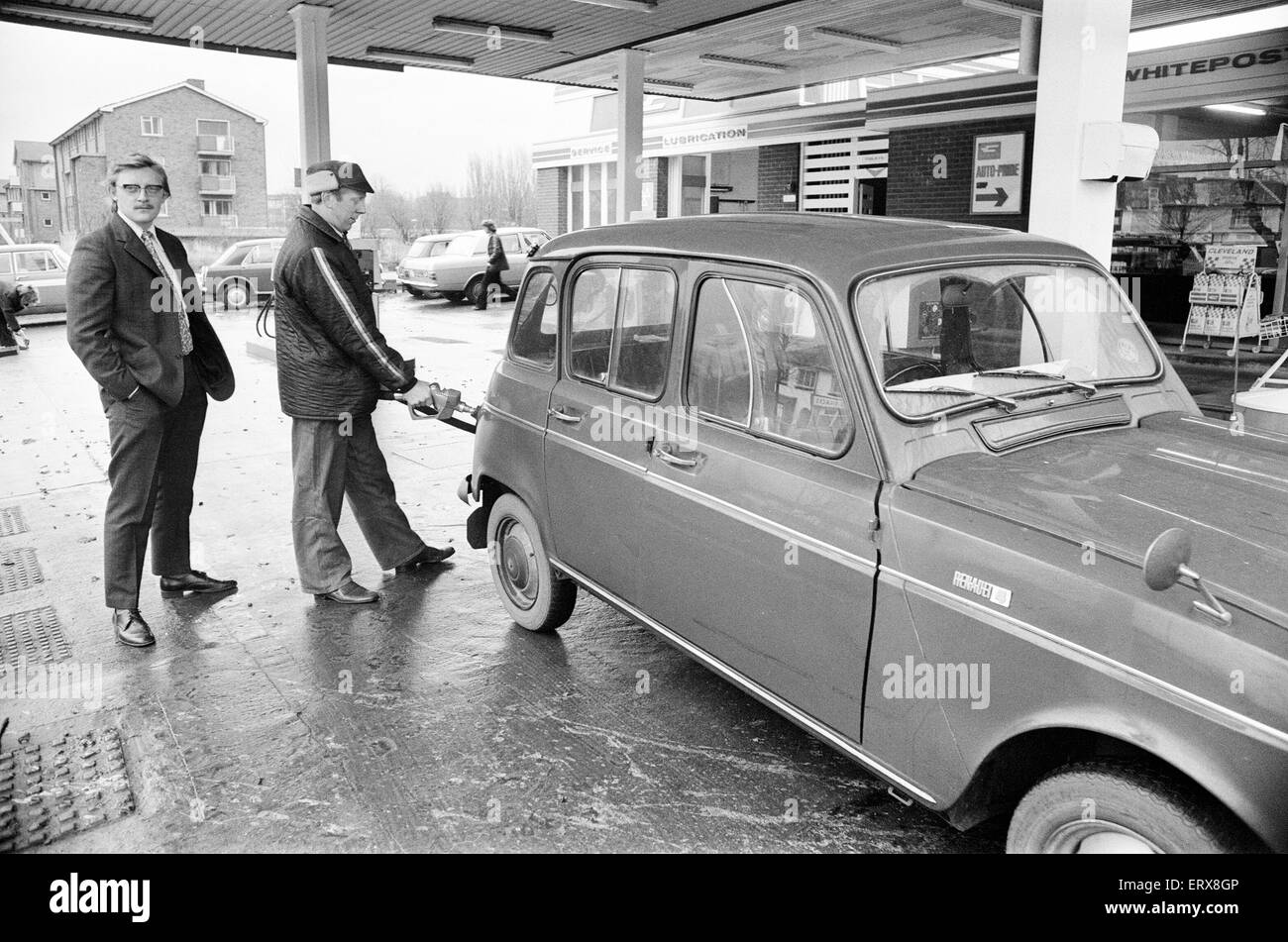 Fuel Rationing, customers limited to two gallons, Bearwood, Birmingham, Tuesday 4th December 1973. - Stock Image