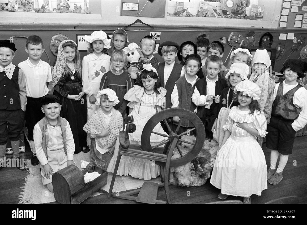 Helme CE School steps back to Tudor times. 28th November 1991. - Stock Image