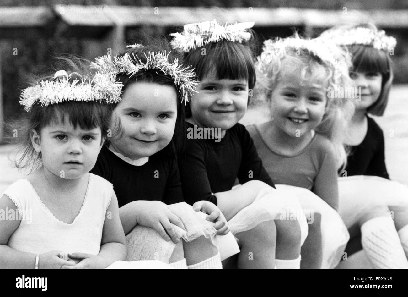 Hannah Needs, aged 2, Claire Todd, aged 4, Rebecca Johnson, aged 4, Stacey Coote, aged 5 and Kay Griffiths, aged - Stock Image