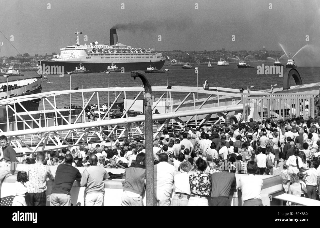 QE2 arrives in Merseyside. 22nd October 1990. - Stock Image