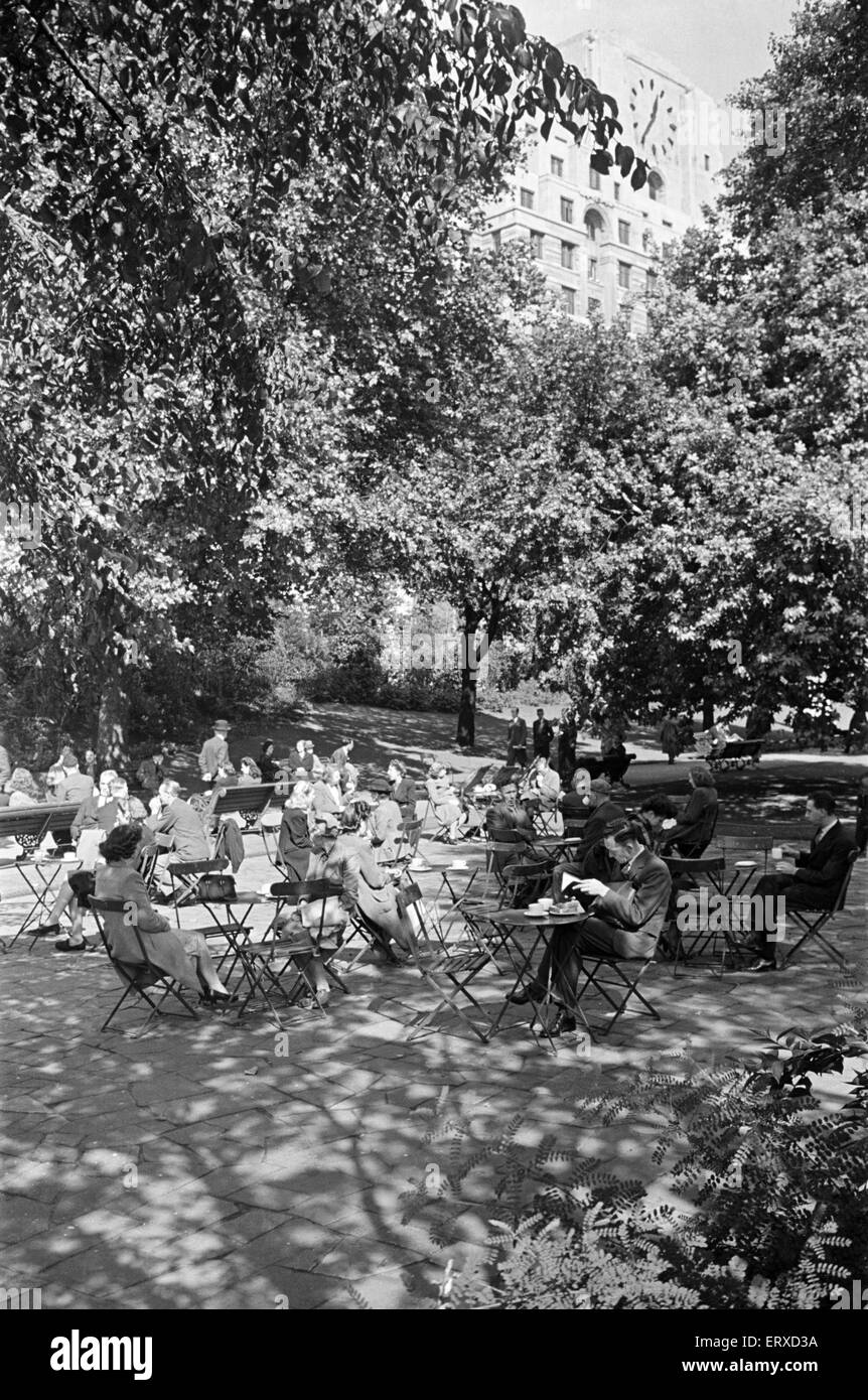 People Enjoying Afternoon Tea In Victoria Gardens On The Embankment,  London, 26th August 1946. Great Ideas
