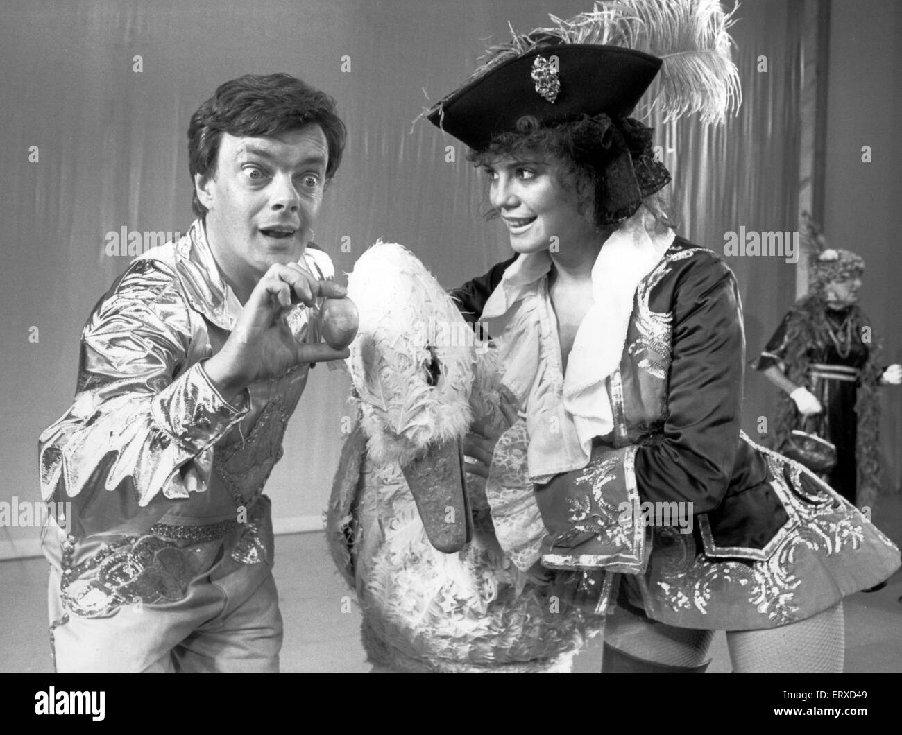 Panto time at the forum with Paul Squire and Michele Hooper. Alita Petrof joins the fun as their feathered friend. - Stock Image