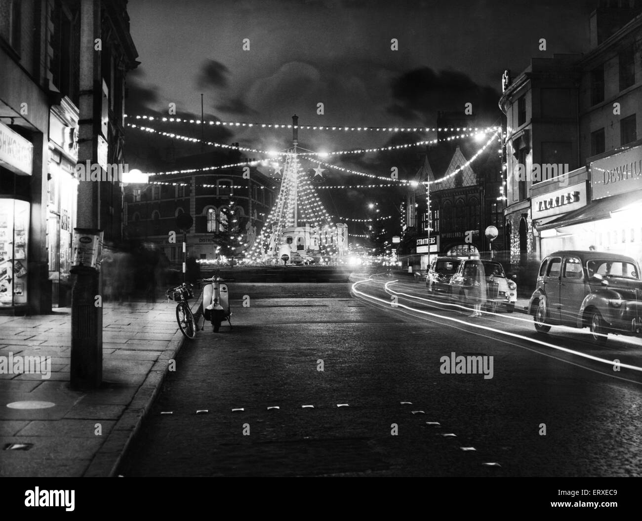 The Christmas lights at Charing Cross, Birkenhead are tested before the offical switch on, Liverpool, Merseyside. - Stock Image