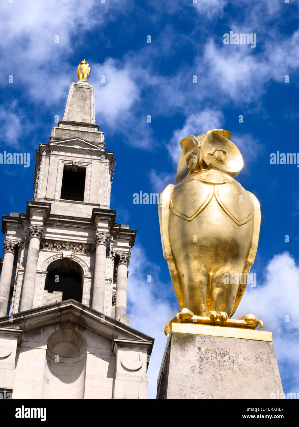 Golden Leeds Owl Statue at The Civic Hall in Millennium Square Leeds West Yorkshire England - Stock Image