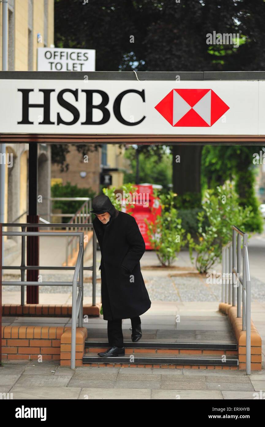 Hsbc Banking Stock Photos & Hsbc Banking Stock Images - Alamy