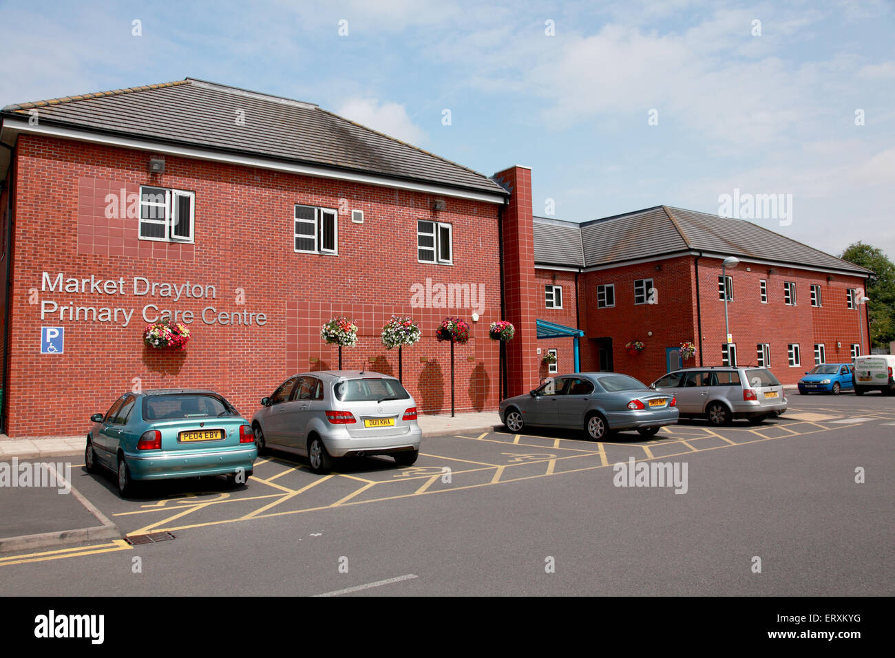 Market Drayton Primary Care Centre which contains a GP practice, a pharmacy, and physiotherapy and dental departments - Stock Image