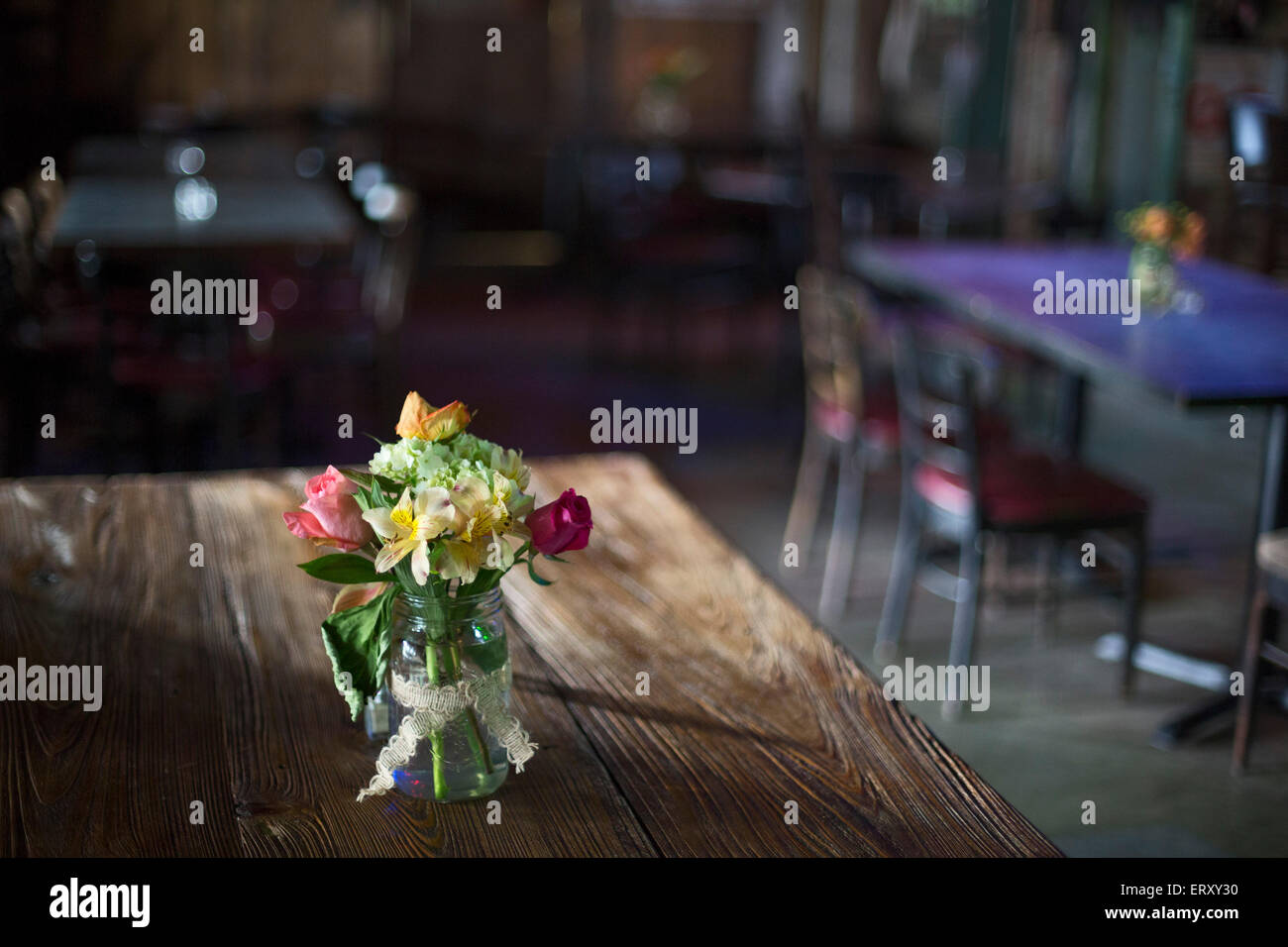 Clarksdale, Mississippi - Flowers on a table at the Shack Up Inn on ...