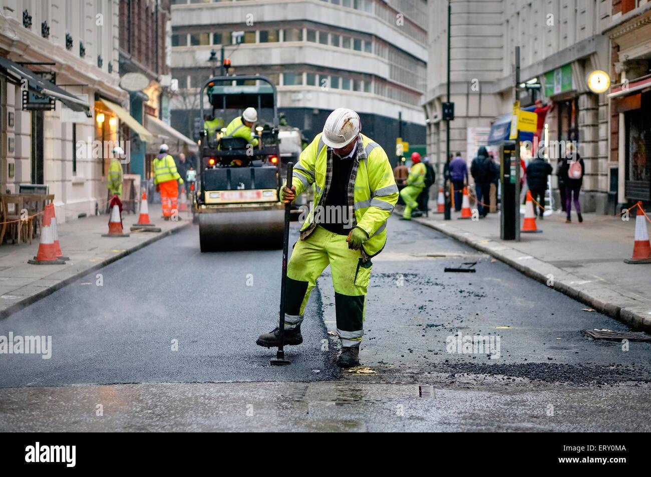 Road crew in London - Stock Image