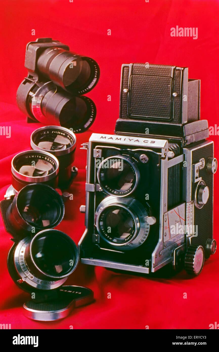 Old camera Mamiya C3 Interchangeable twin lens reflex ; India - Stock Image