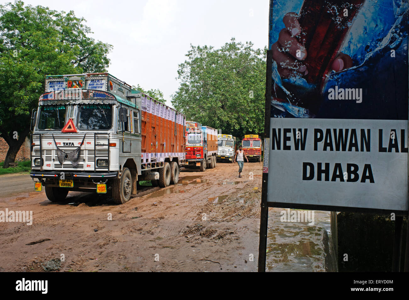 Truck stand near new pawn lal dhaba ; Uttar Pradesh ; India - Stock Image