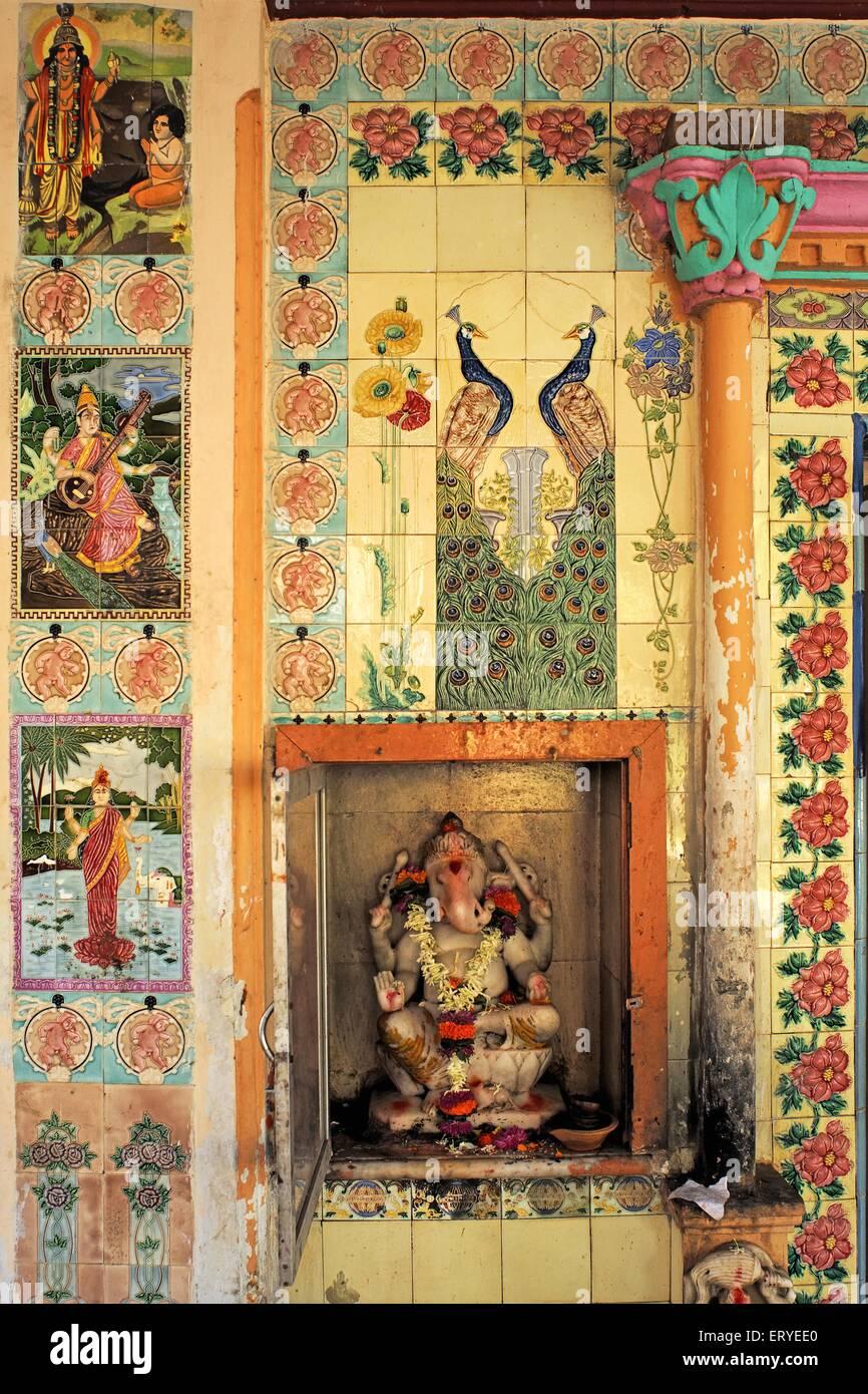 Fantastic Wallpaper Lord Siddhivinayak - idol-of-lord-ganesh-and-painting-on-tiles-god-goddess-shiv-mandir-ERYEE0  Perfect Image Reference_145149.jpg