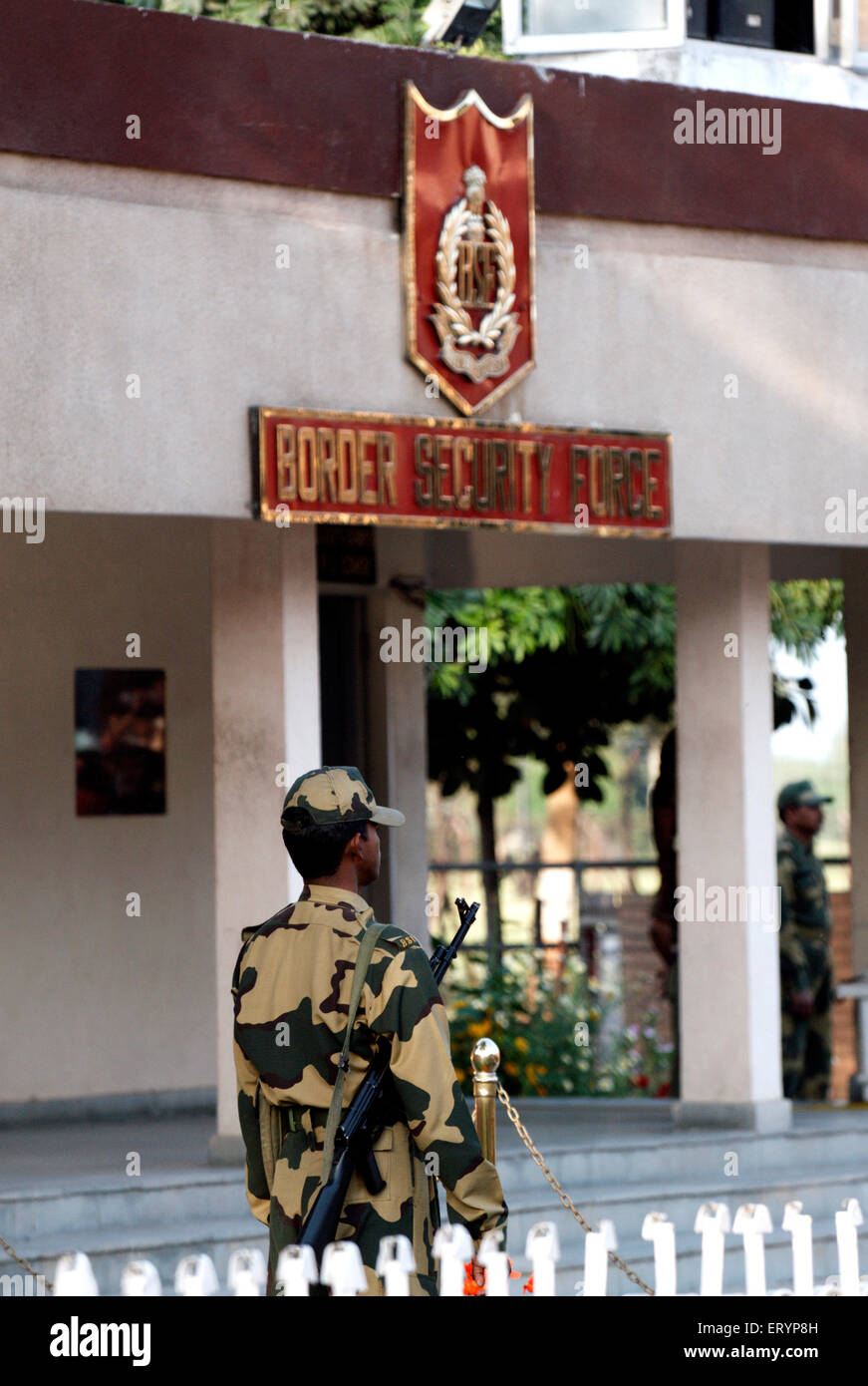 Indian Border Security Force soldier outside BSF office at India Pakistan international Border - Stock Image