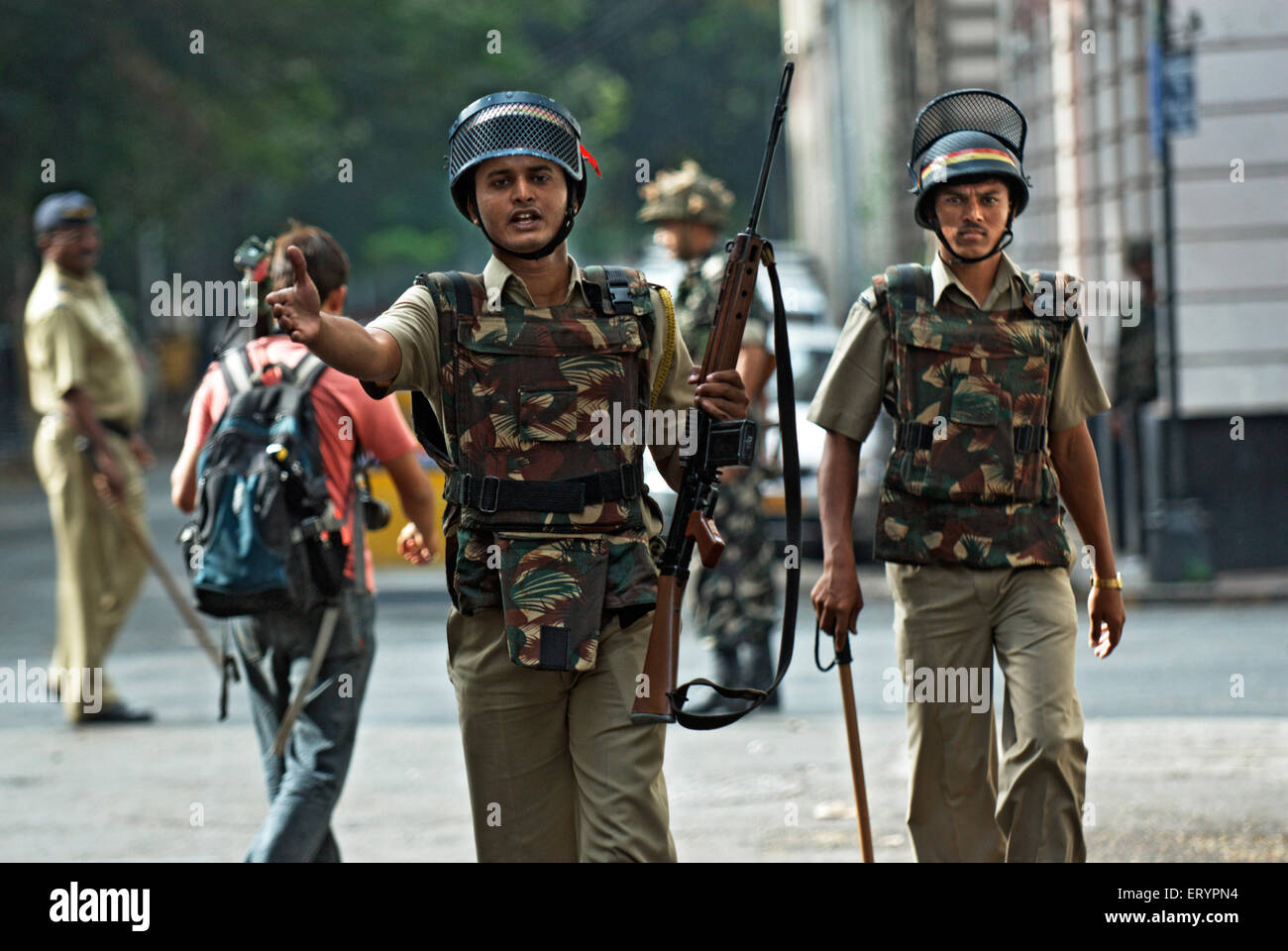 Police outside hotel Taj Mahal after terrorist attack by deccan mujahedeen ; Bombay - Stock Image