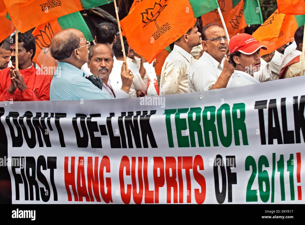 Bharatiya janata party bjp activists protesting against 26/11 terrorists attack ; Bombay Mumbai ; Maharashtra - Stock Image