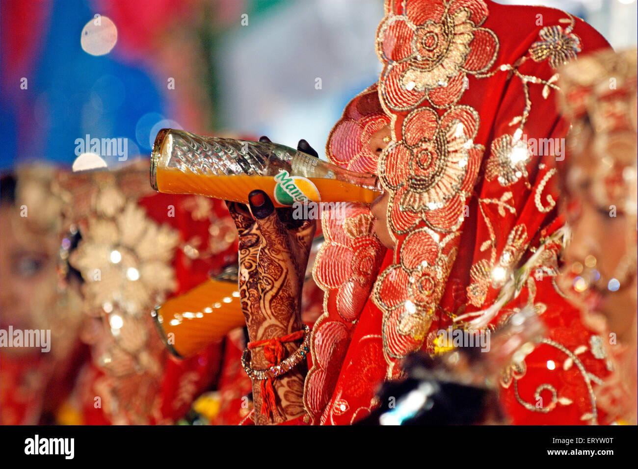 Muslim bride mass marriage  ; Bombay ; Mumbai  ; Maharashtra  ; India NOMR - Stock Image