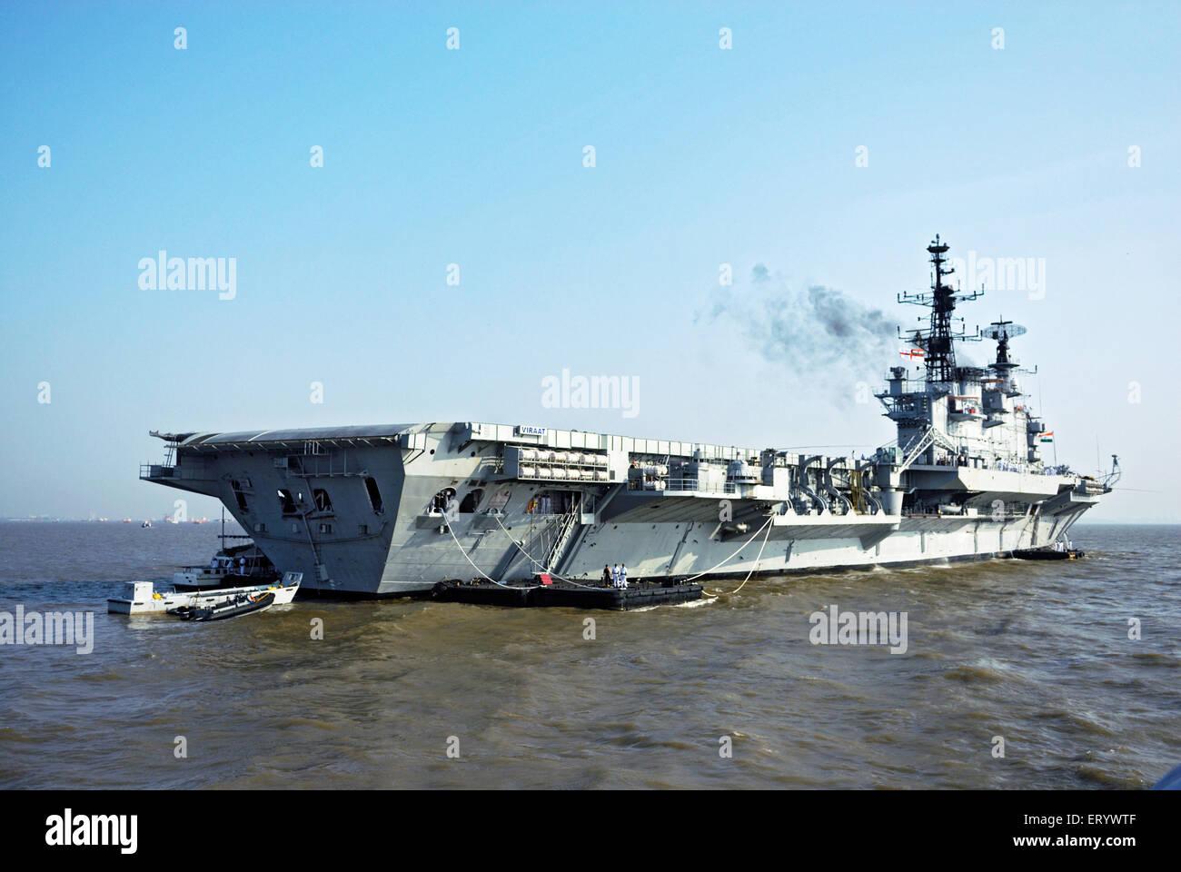 Aircraft carrier INS viraat R22 indian navy in arabian sea ; Bombay ; Mumbai ; Maharashtra ; India - Stock Image