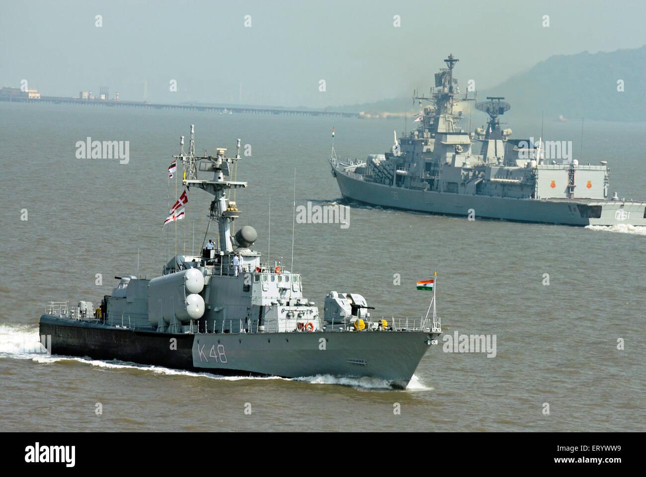 Kilo class and fridget warship of Indian navy in arabian sea ; Bombay ; Mumbai ; Maharashtra ; India - Stock Image