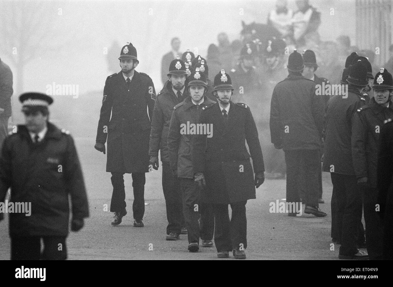 Miners Strike 1984 - 1985, Pictured. Pickets at Lea Hall Colliery, Rugeley, Staffordshire, England, Friday 23rd - Stock Image