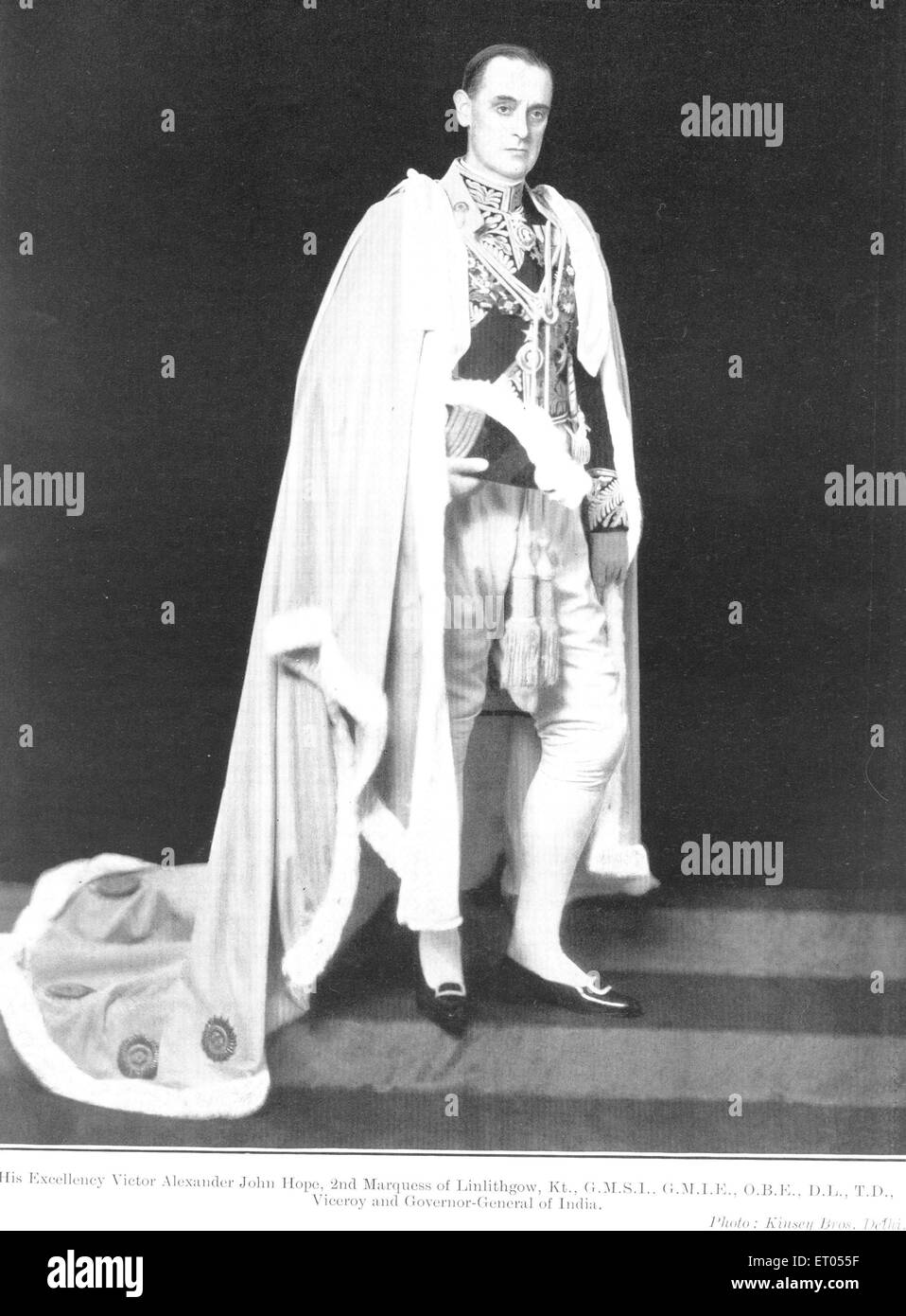 British officials ; Excellency Victor Alexander John Hope ; 2nd Marquess of Linlithgow ; Kt. ; viceroy governor general Stock Photo