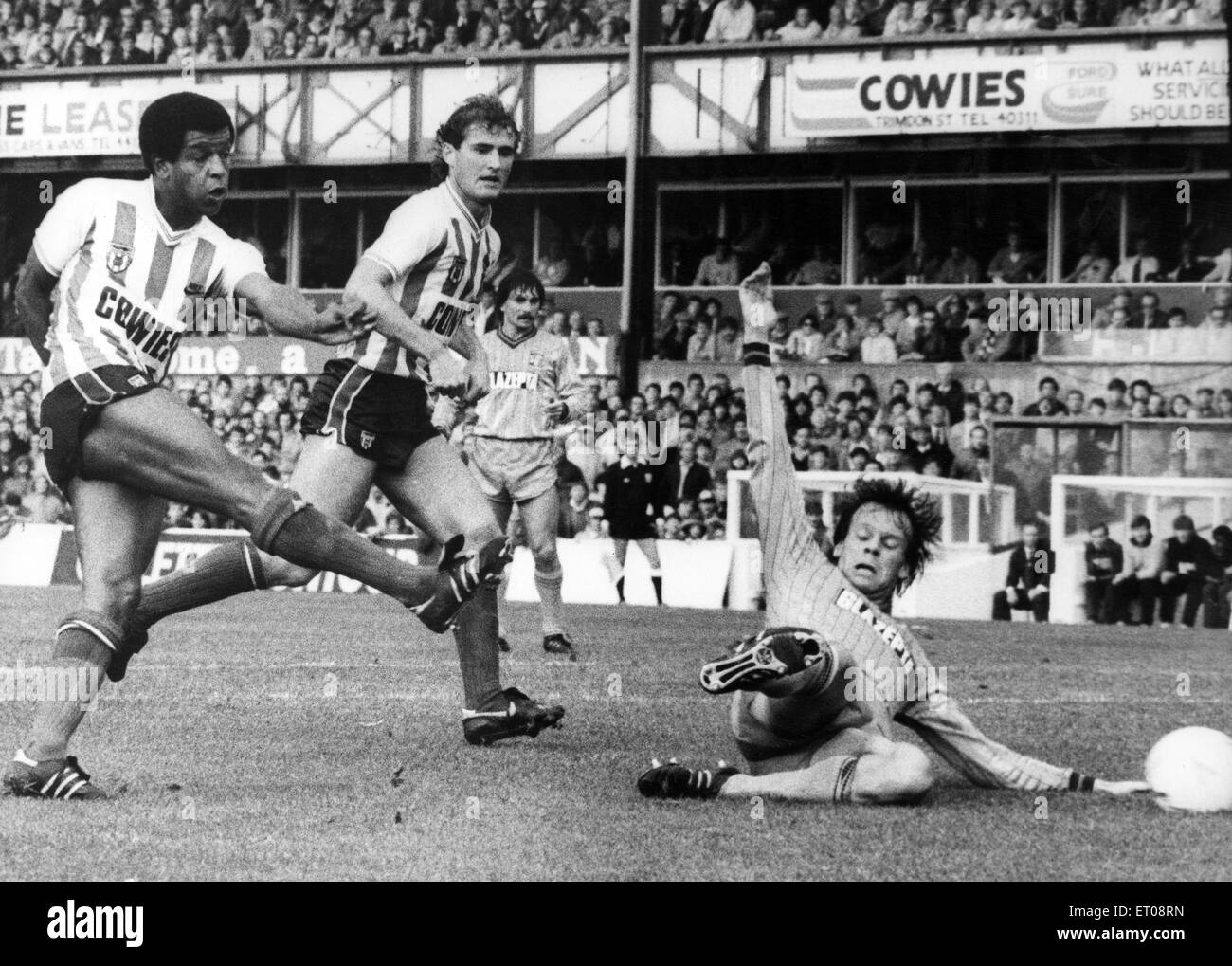 Howard Gayle (born 18 May 1958) is a former English footballer, seen here when he played for Sunderland. Circa 1984. - Stock Image