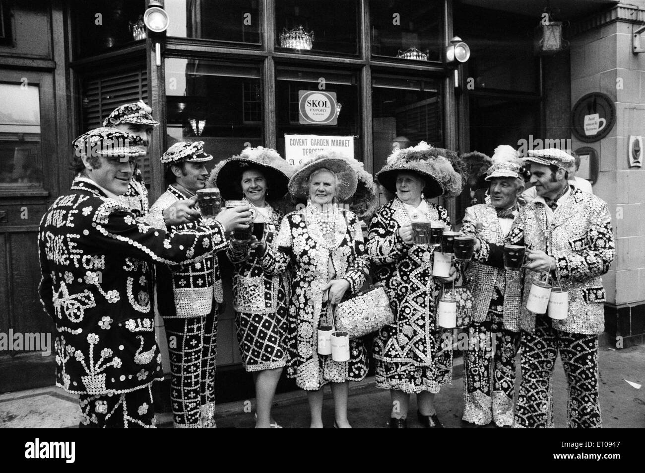 Pearly Kings and Queens celebrate Covent Garden's 300th Birthday, London, 9th May 1970. - Stock Image