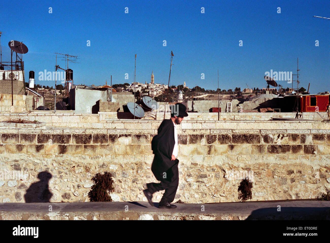 Jew running in Jerusalem - Stock Image