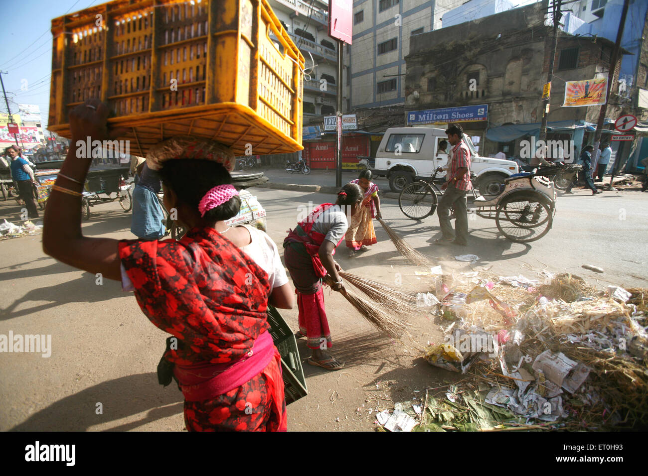 Street Sweepers Of India Stock Photos & Street Sweepers Of