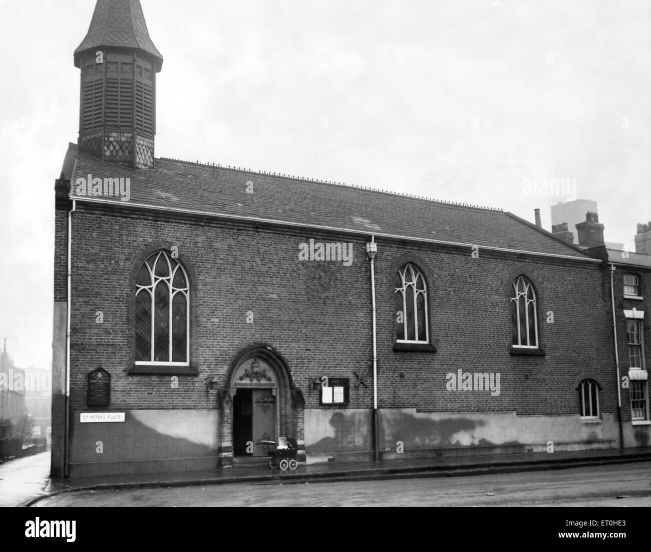 Exterior view of St. Peters Church at St Peter's Place, Broad Street in central Birmingham. February 1954. - Stock Image