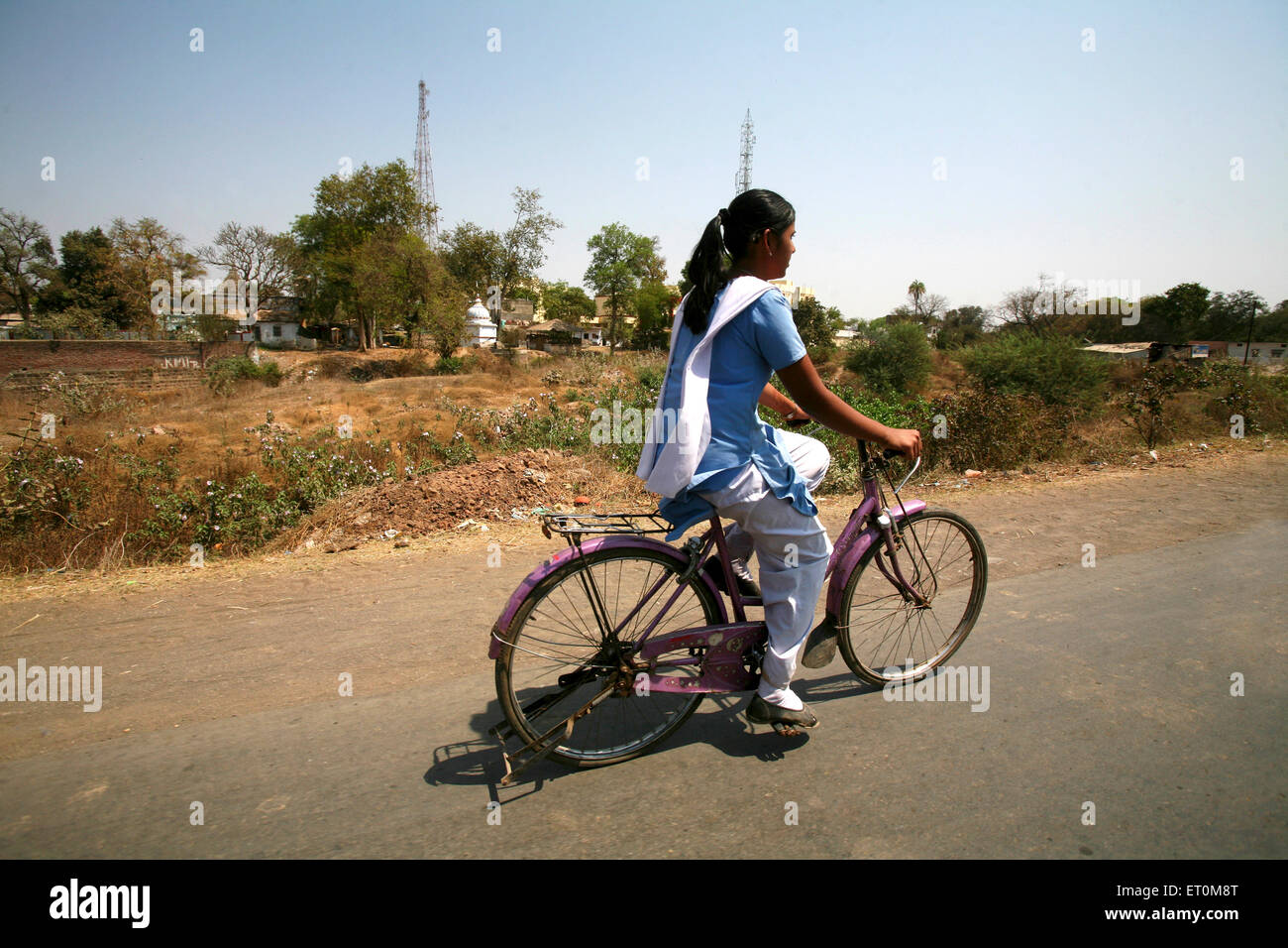 Young girl in salwar kameez with dupatta
