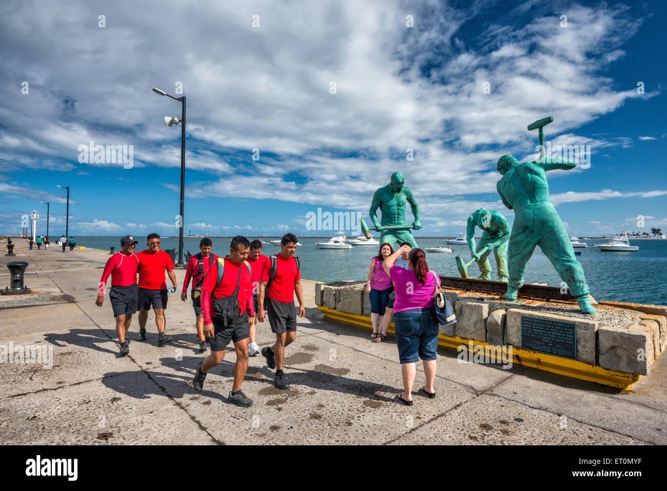 Sembradores de Via de la Escollera (Sowers of the Jetty Track), sculpture by Humberto Peraza, 2002, in port of Veracruz, - Stock Image