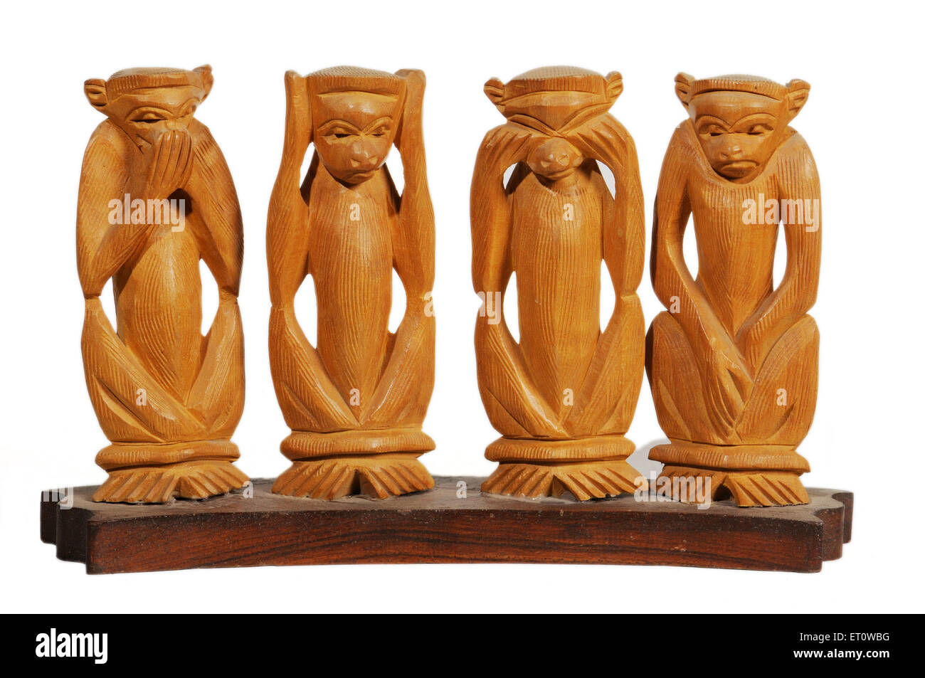Handicraft wooden monkeys ; India - Stock Image