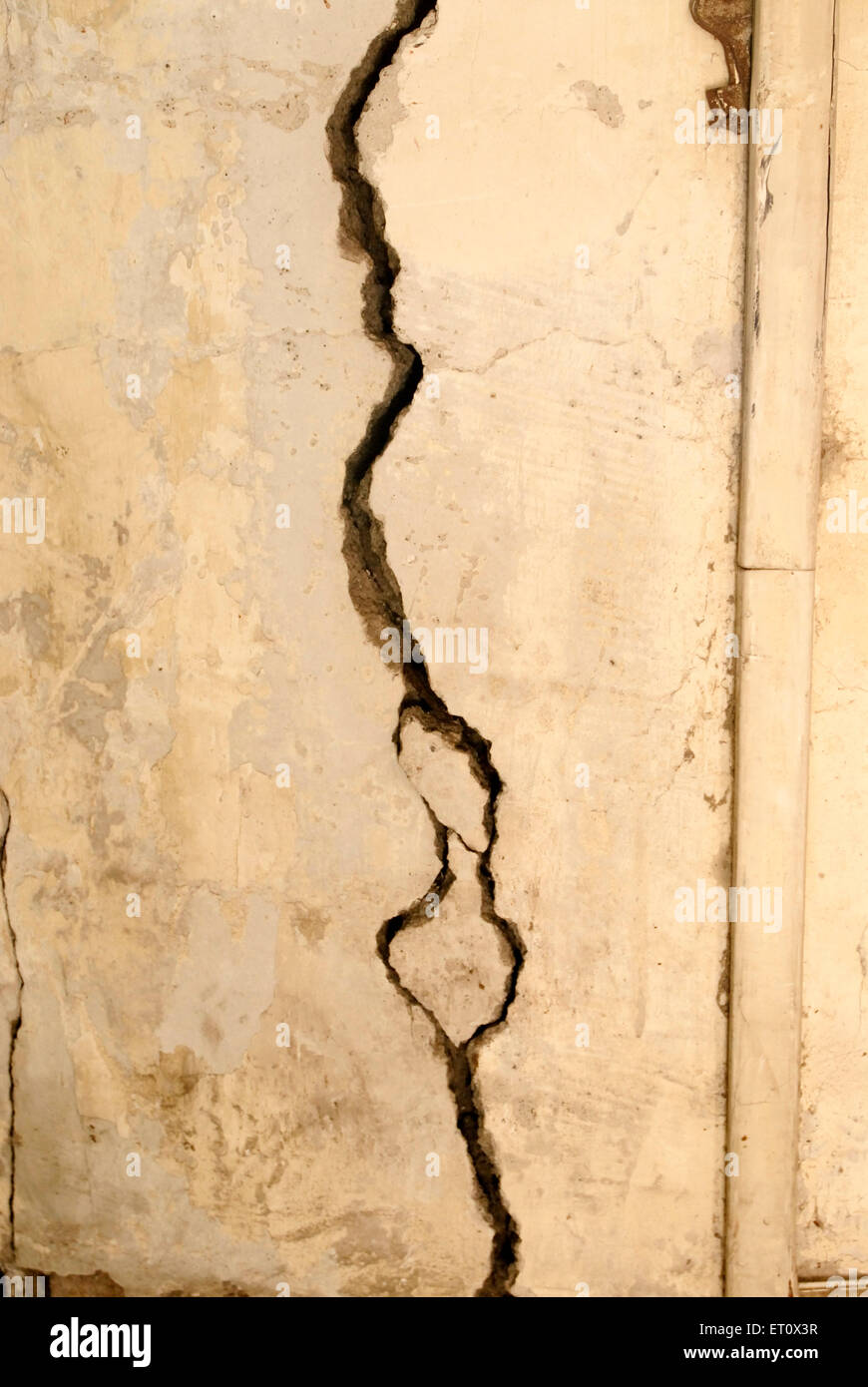 Big cracks to reinforced cement concrete column of the building ; Bombay Mumbai ; Maharashtra ; India - Stock Image