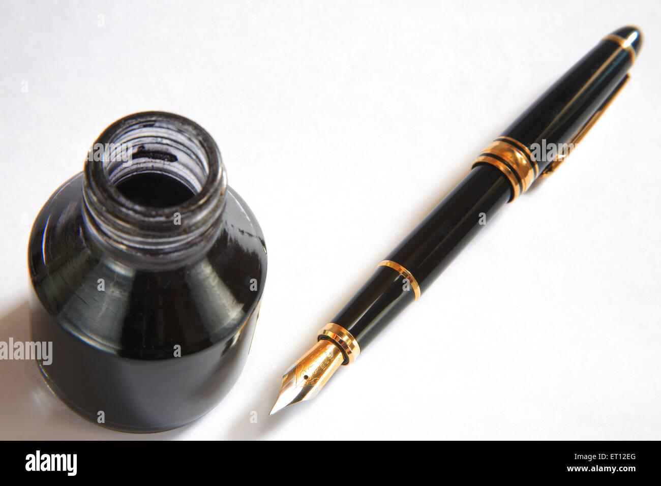 Writing instrument ; kalam davat ; inkpen and inkpot ; India - Stock Image