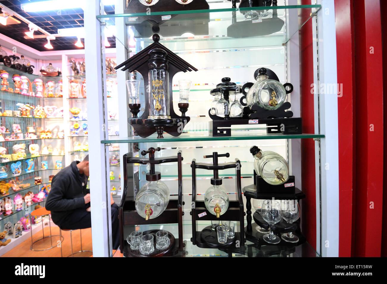 Window display in chinese shop ; Yiwu ; China - Stock Image