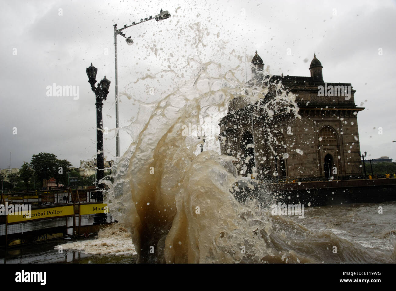 High tide Powerful Crashing Waves during Monsoon 4.8 Meter at Gateway of India Asia - Stock Image