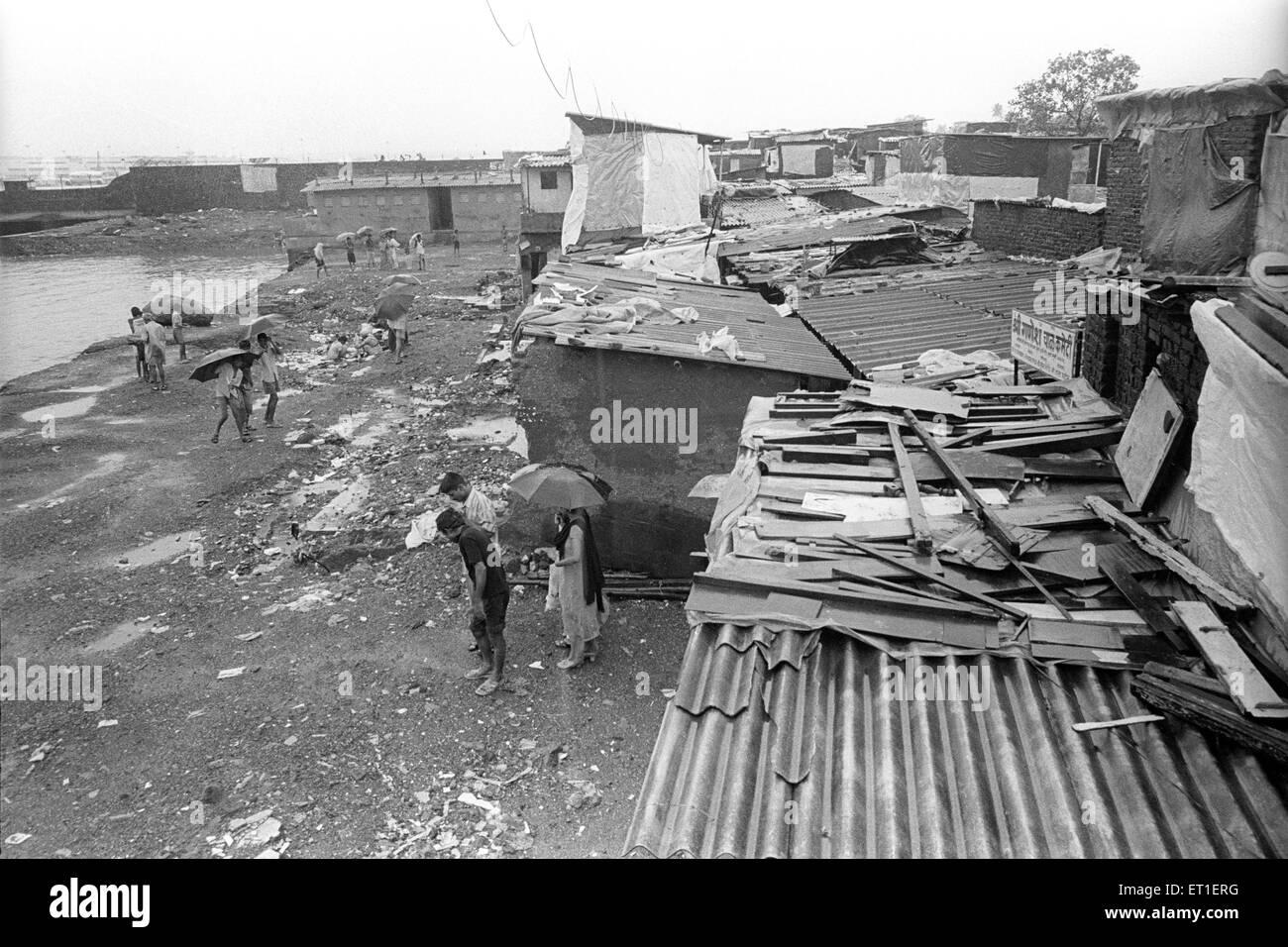 Slum near the airport at bail bazaar ; Bombay Mumbai ; Maharashtra ; India - Stock Image