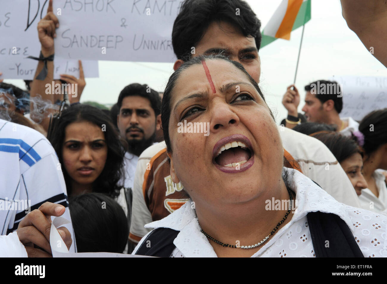 Protestors with banners outside Taj Mahal Hotel after terrorist attack in Bombay Mumbai ; Maharashtra - Stock Image