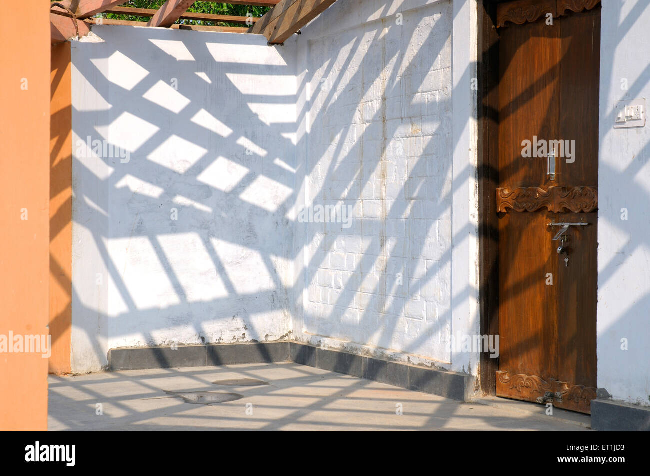 Shadows of wooden planks of roof ; Madhai Piparia ; Madhya Pradesh ; India 4 October 2008 - Stock Image