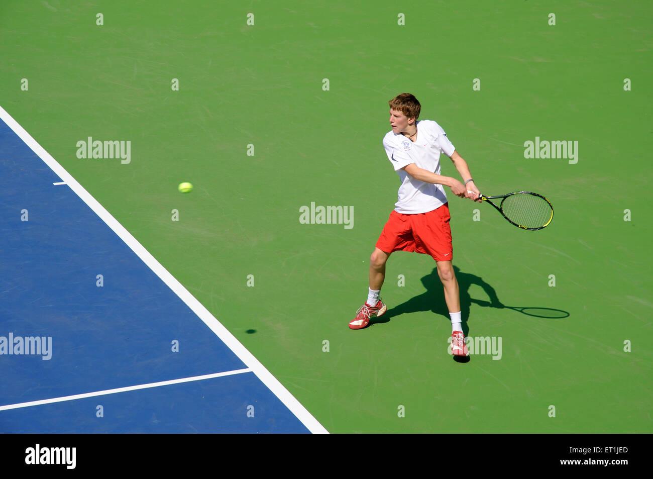 Scot clayton playing tennis ; Pune ; Maharashtra ; India 14 October 2008 NOMR - Stock Image