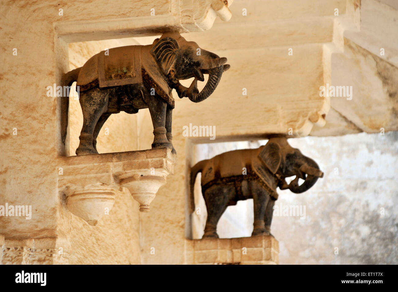 Elephant Statue Stock Photos Amp Elephant Statue Stock