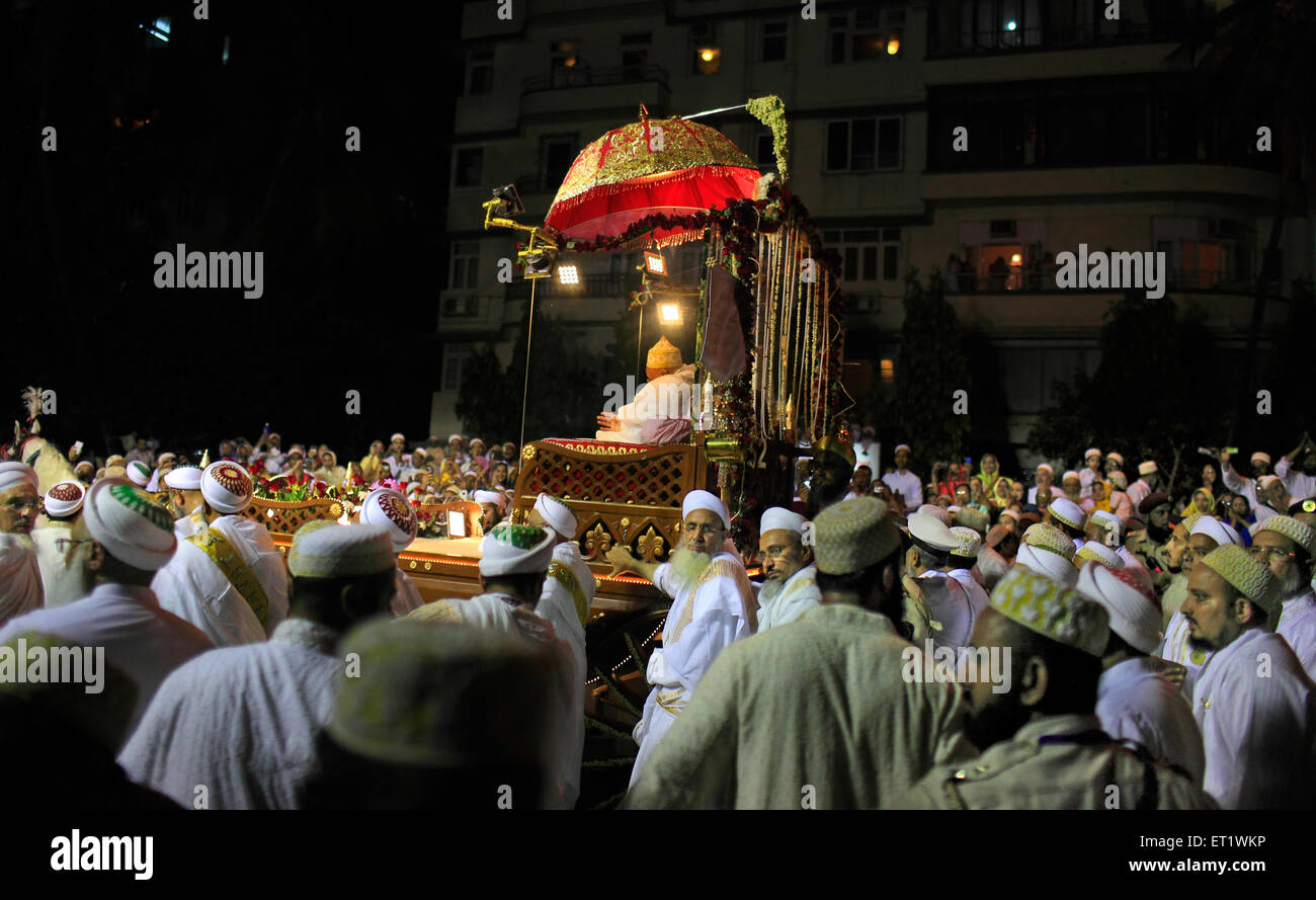 Chariot to celebrate the 100 years of spiritual leader Syedna - Stock Image