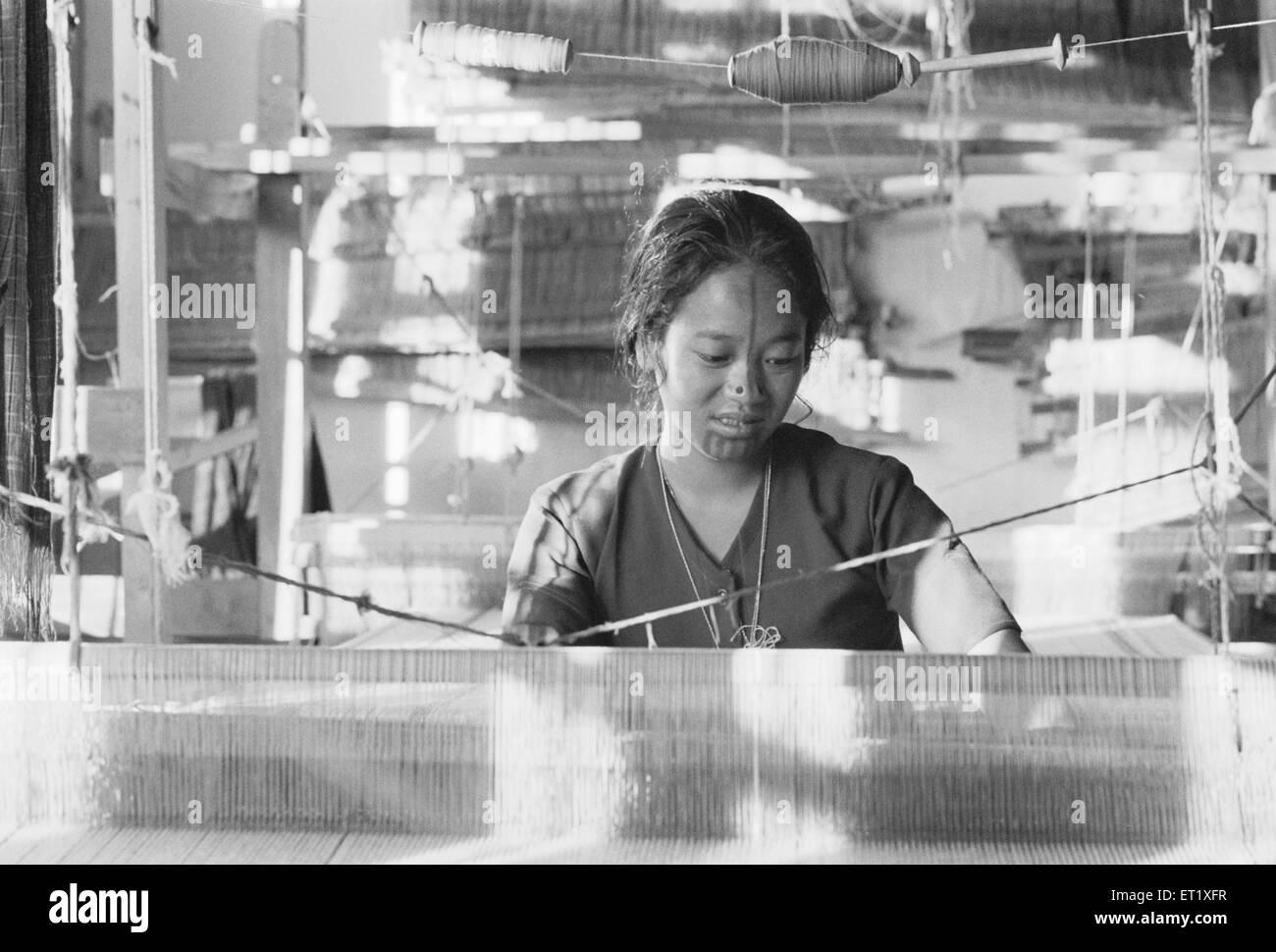 Apa Tani weavers at Ziro HQ of Lower Subansiri district ; Arunachal Pradesh ; India 1982 NO MR - Stock Image