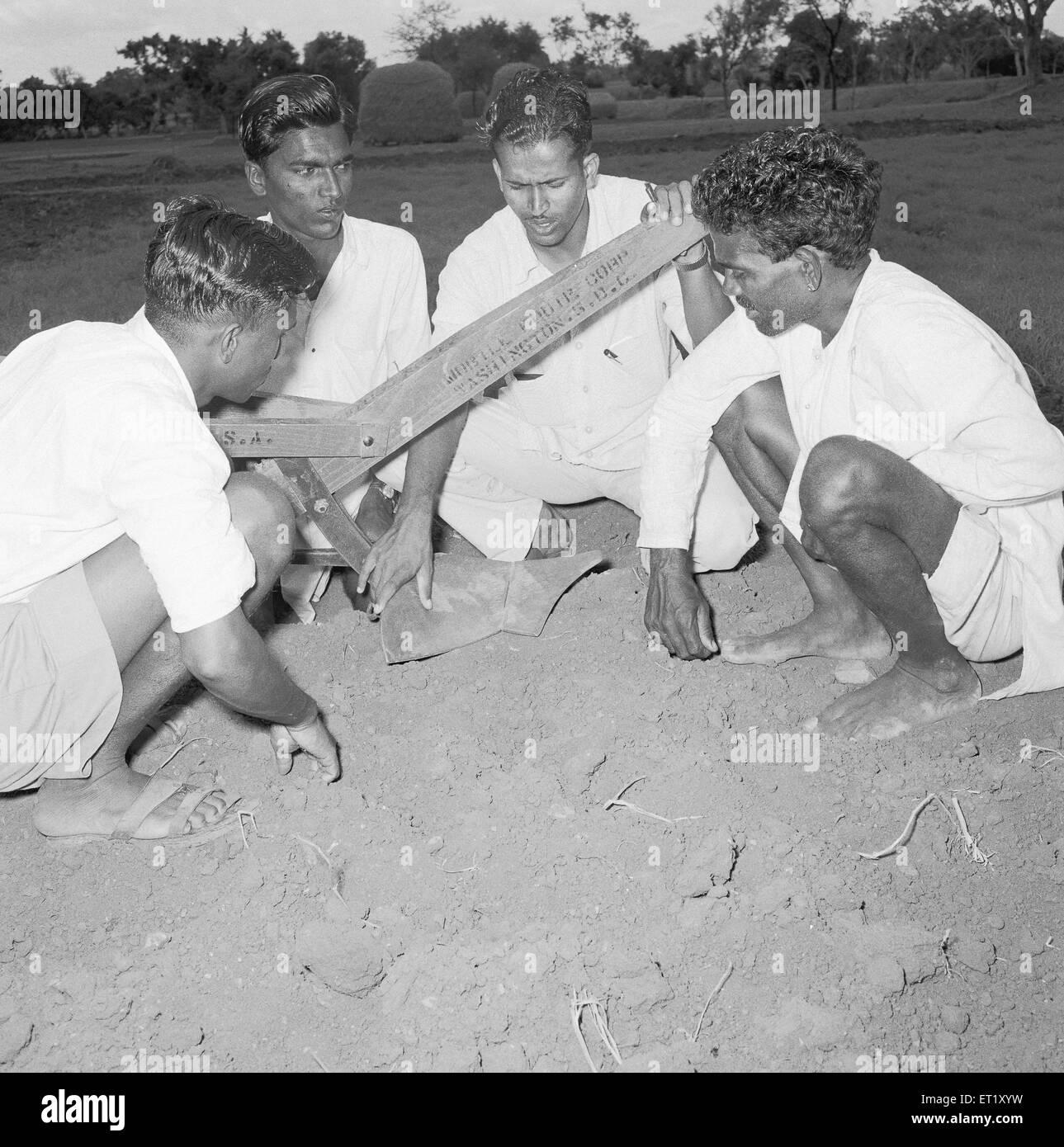 Class for woodwork ; VIDYAPITH is training rural youth for progressive living ; Nanjangud town near Mysore ; Karnataka - Stock Image