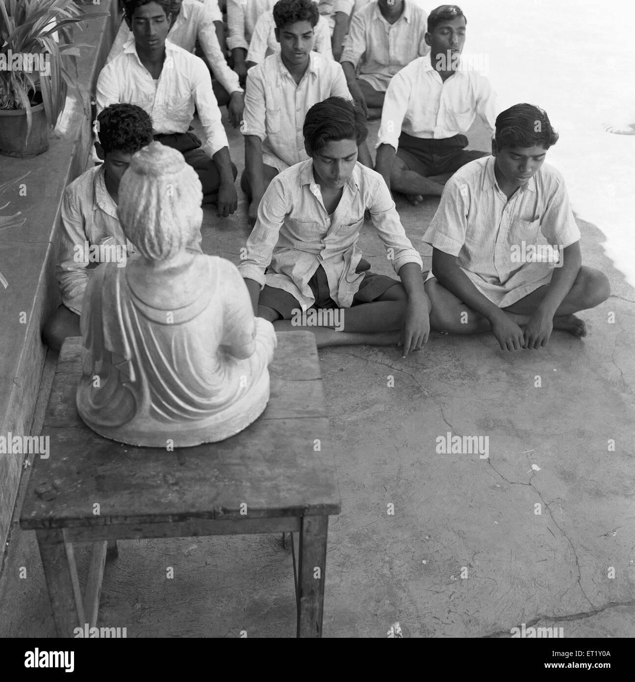 Pupils in classroom ; VIDYAPITH is training rural youth for progressive living ; Nanjangud town Mysore ; Karnataka - Stock Image