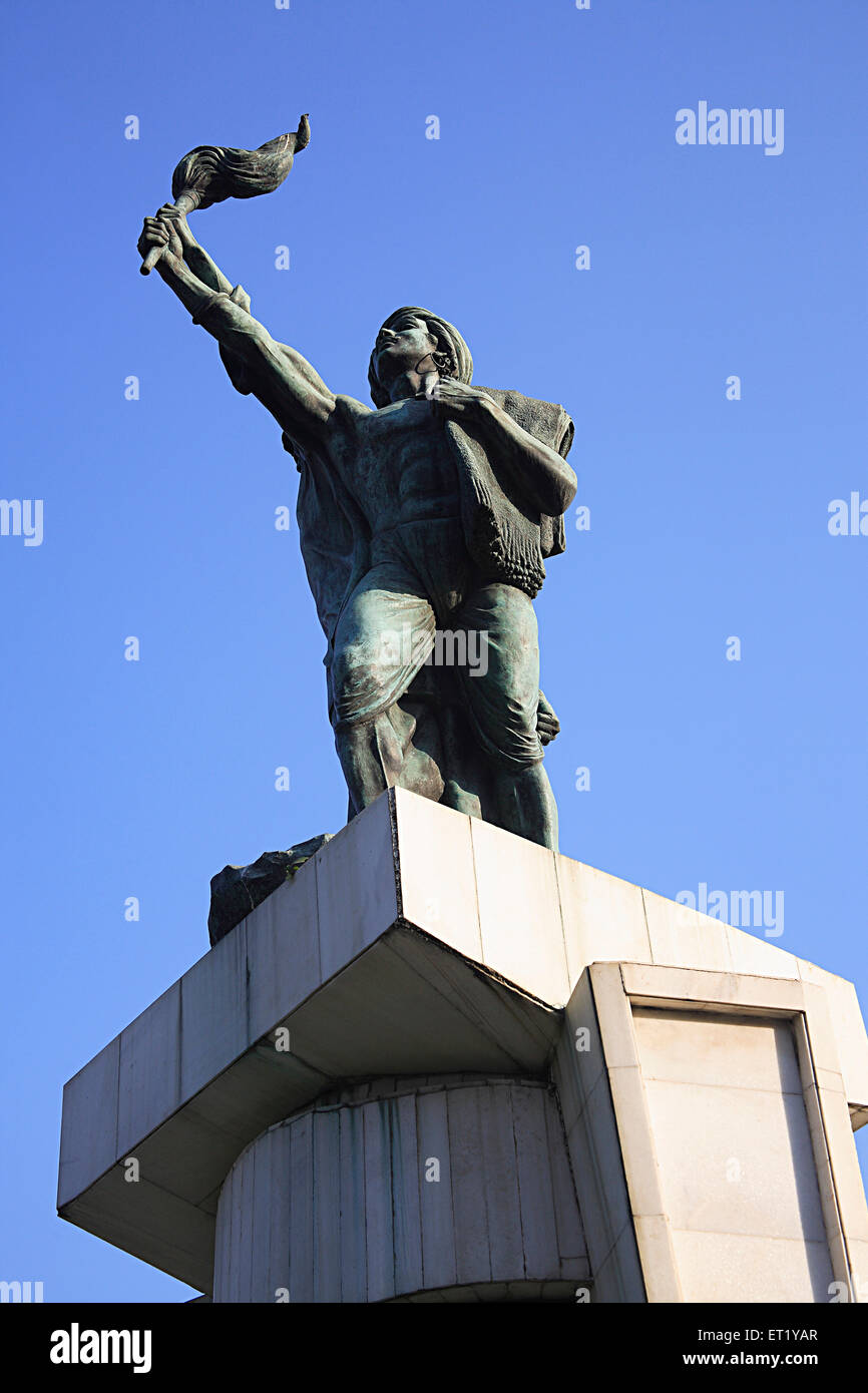 Statue of Hutatma Chowk memory of 105 martyrs killed in movement of Samyukat Maharashtra ; Churchgate ; Bombay Mumbai - Stock Image