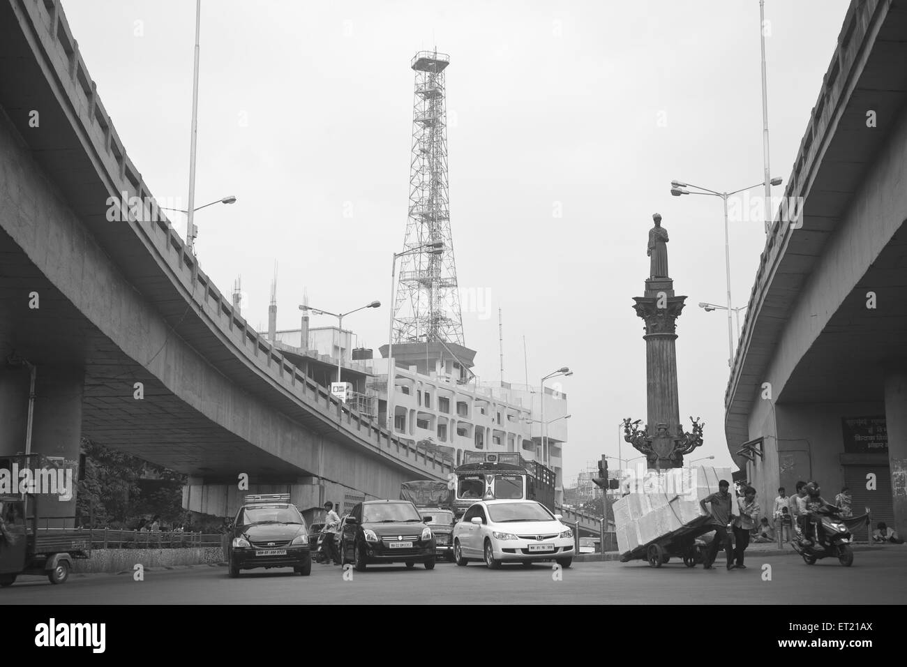 Khada parsi statue and fir Station at patil flyover at Abdul Hamid Ansari Chowk ; Clare road ; Byculla ; Mumbai - Stock Image