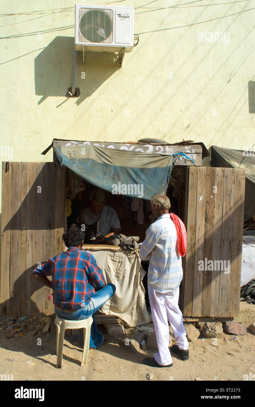 Roadside cabin of Ironing ; Kutch ; Gujarat ; India - Stock Image